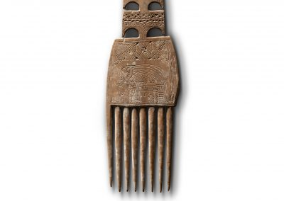 Comb With Elephant Decoration
